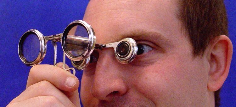 opera glasses retail